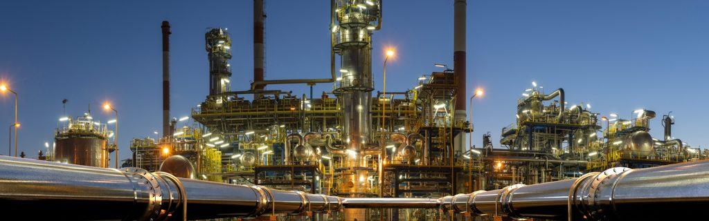 Un oleodotto che finisce in una raffineria