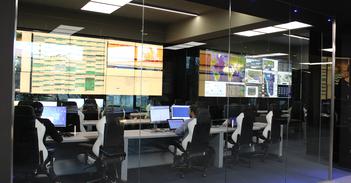 Una monitoring room di una struttura SOC - Security Operation Center