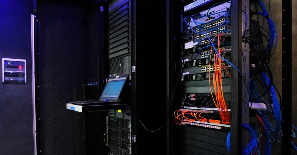 Una sala del data center di Intellisync